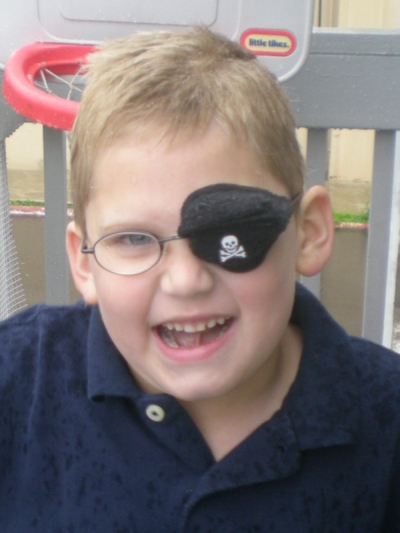 the best eye patch for kids worn by Alex