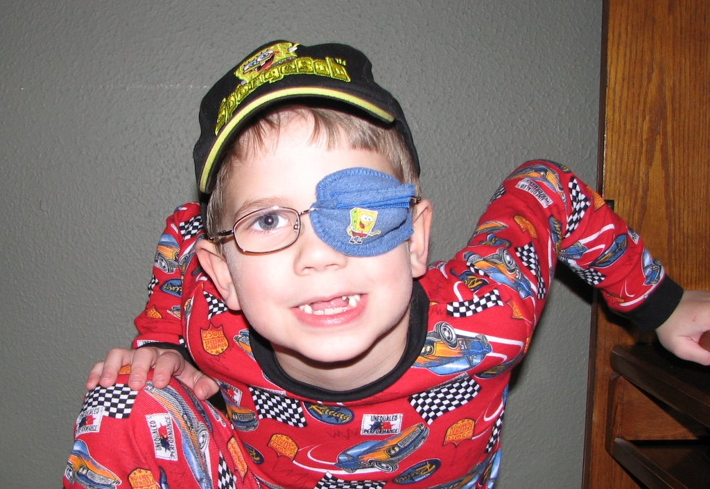 the best eye patch for kids worn by Dylan