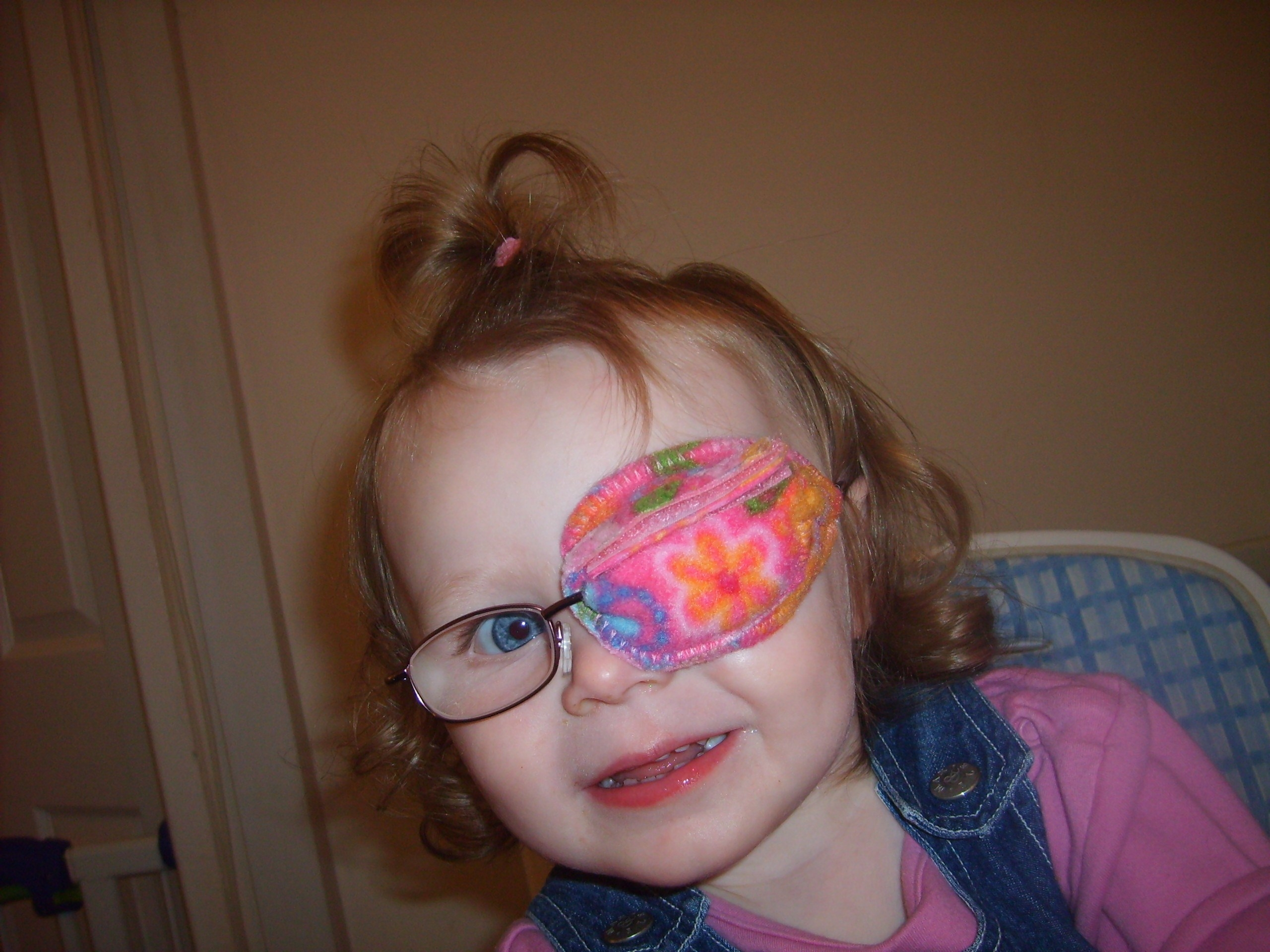 the best eye patch for kids worn by Emily
