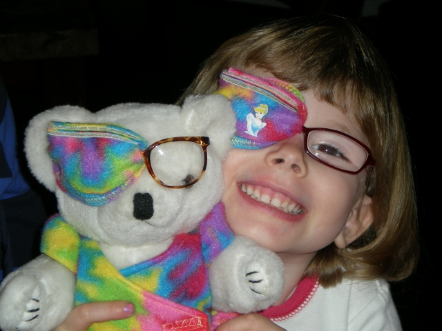 the best eye patch for kids worn by Chloe